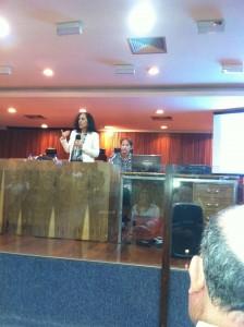 Dra. Silvia Guz, Psicóloga (CRP 17-0313). Terapeuta Certificada, Facilitadora de Grupos, Supervisora e Trainer de EMDR (EMDR Institute - EUA); Especialista em Psicoterapia Breve (Abordagem Corporal); Especialista em Planejamento e Governo da Fundação Altadir-Isla Negra, Chile.