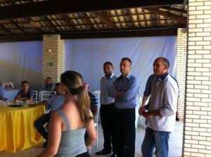 Pastor João Rodrigues à esquerda, Bispo Renato ao centro e Pastor  Celso